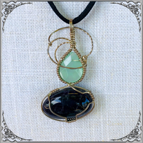 CHALCEDONY AND AMETHYST PENDENT