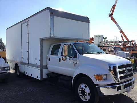 22' Box Truck with Lift Gate & 3 Ton Grip Package