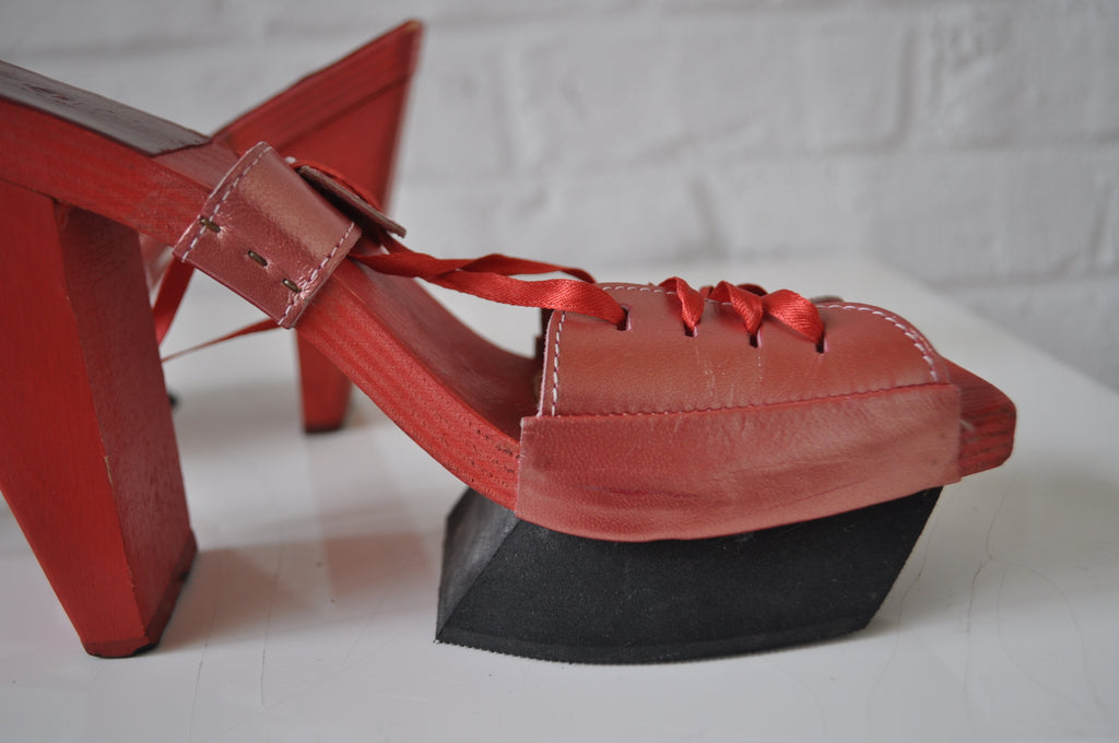 Avant garde shoes made of wood and leather 1970s by Sergey Janjansen Italy