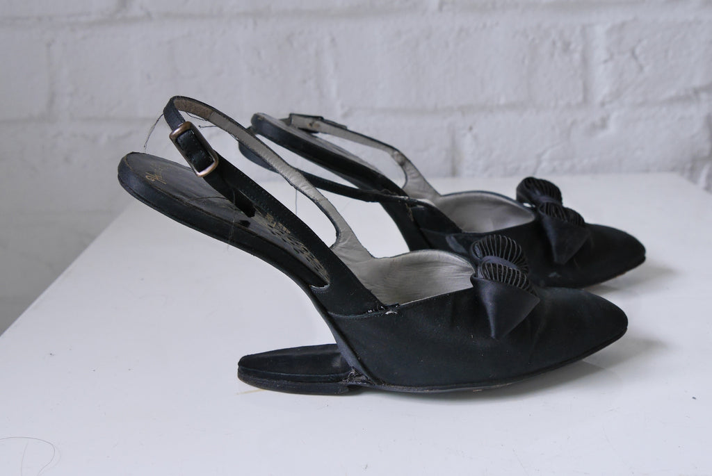 Rare 30s high arch heel satin pumps by Peacock sz 6 n.
