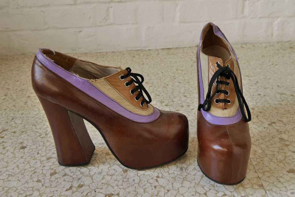70s tall plateau pumps by Nina multicolor sz 9