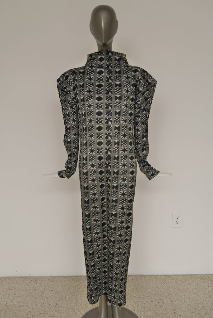 90s Issey Miyake pleated avant-garde dress great abstract print.