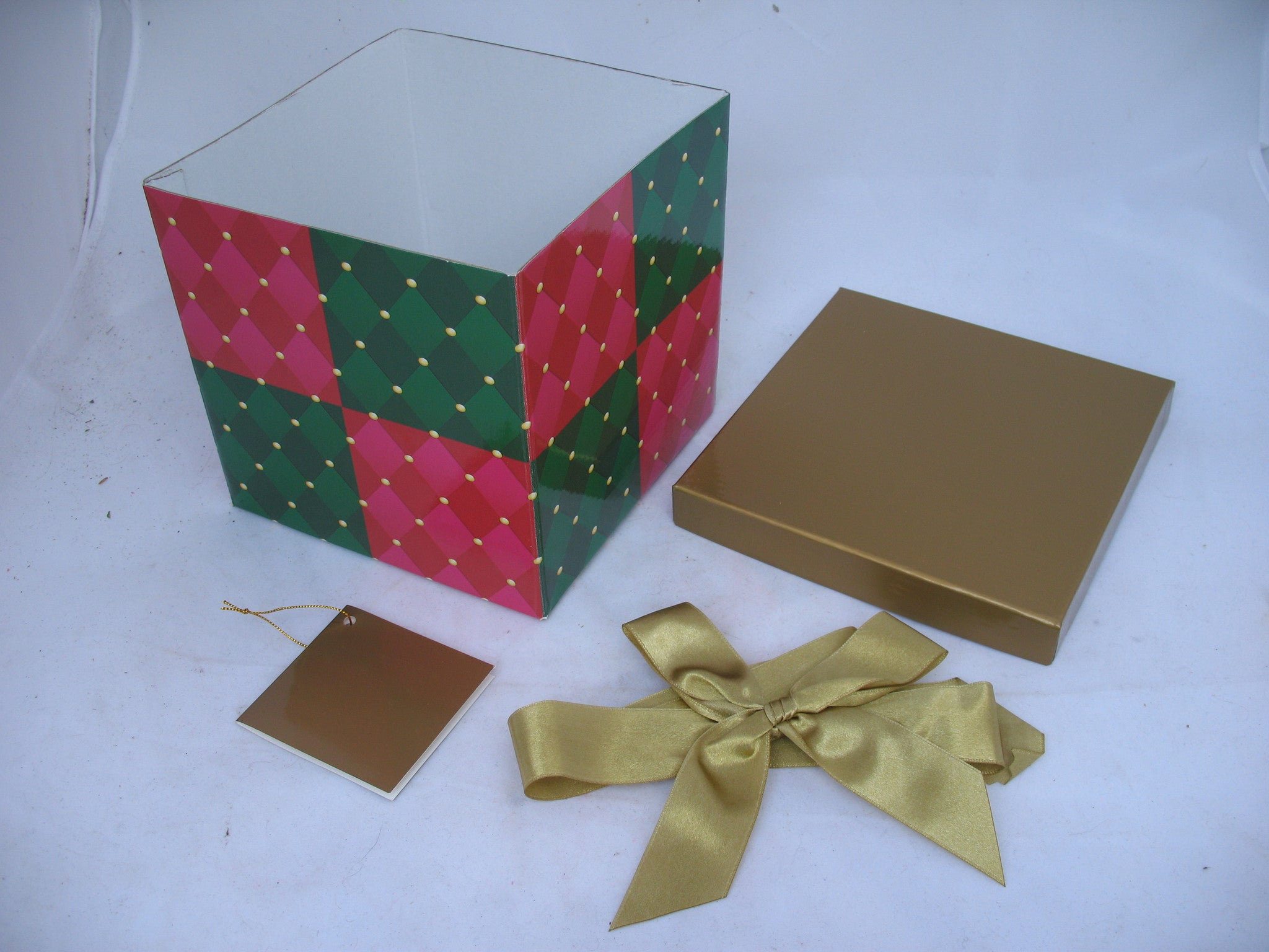 NEW AVON Christmas Holiday Birthday SQUARE GIFT WRAP BOX GIFTS BOXES Folding Collapsible with LID RIBBON NOTE CARD & Christmas Holiday Birthday GIFT WRAP BOX GIFTS BOXES | TropicalFeel Aboutintivar.Com