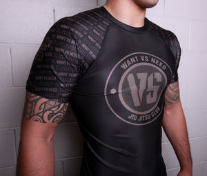 WVSN TONE ON TONE RASHGUARD - BLACK