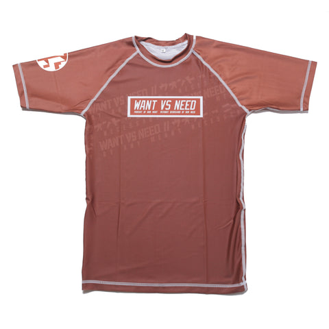 WANT VS NEED RASHGUARD SHORT SLEEVE - BROWN