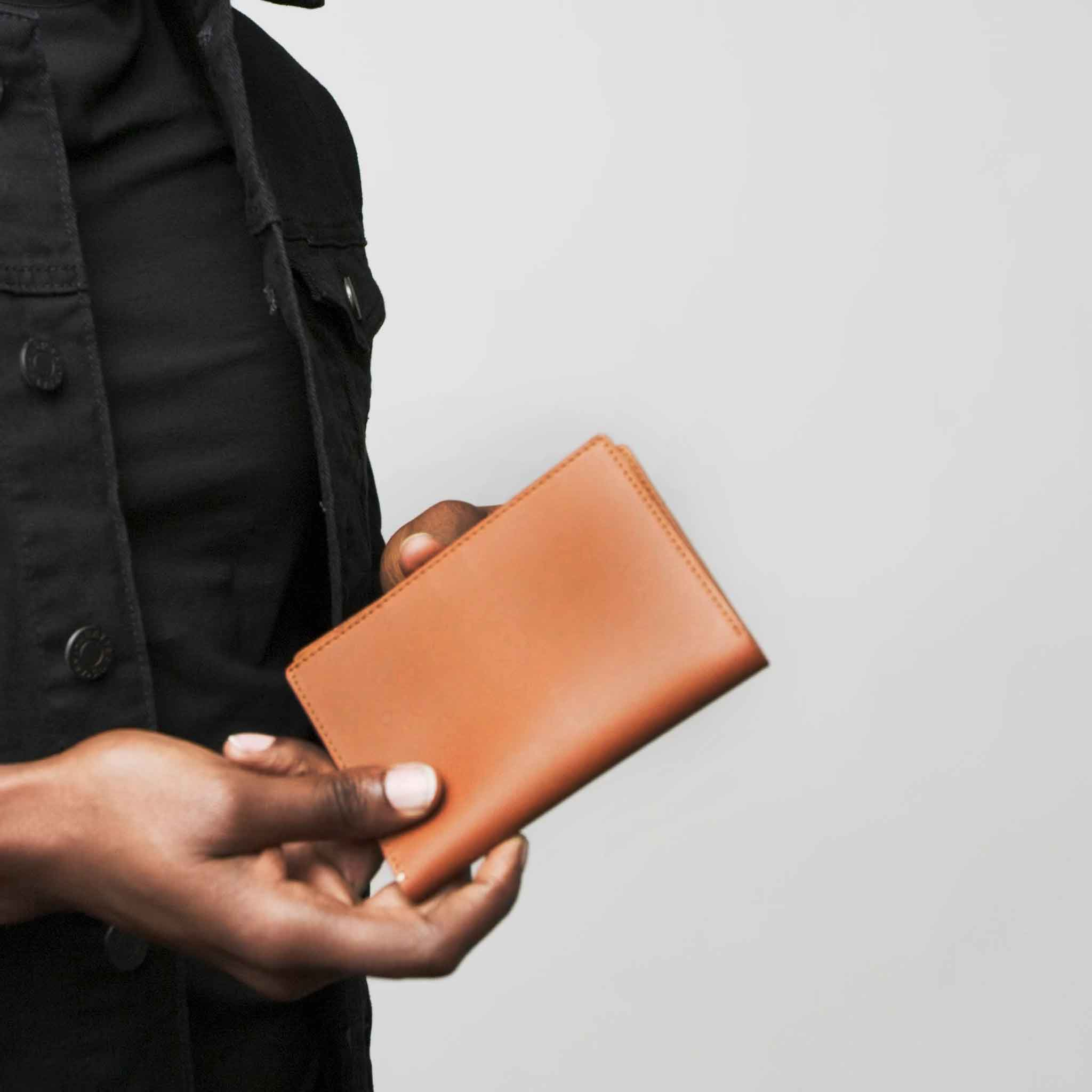 PASSPORT WALLET WALLET ANSON CALDER French Calfskin *hover _red