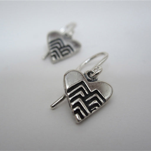 norosesjewelry.com - Los Angeles - Sterling Silver Heart Earrings with Chevrons
