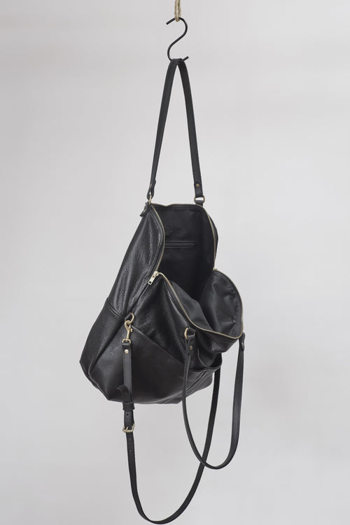 Amy Eliav Italian 100% leather Handbag in Black. Made in Melbourne