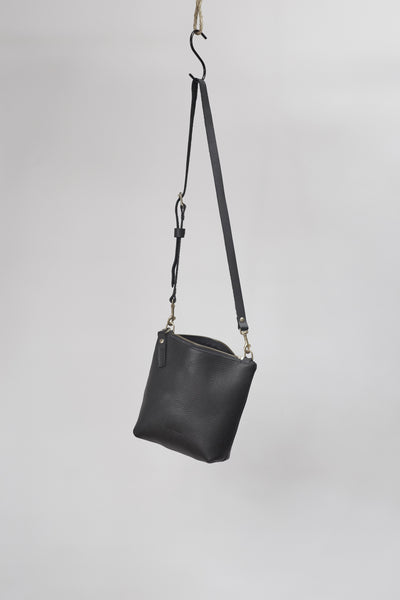 Amy Eliav Roma Purse.  100% Cow Leather Heavy pebble black.  Made in Melbourne Australia & Auckland New Zealand