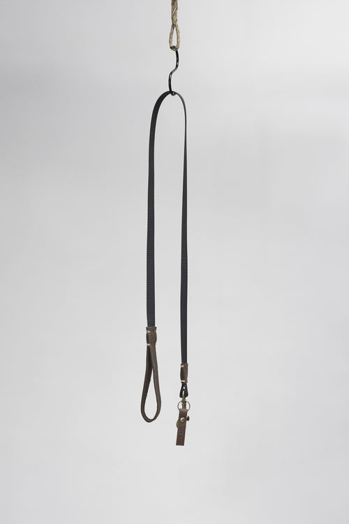 Amy Eliav Dog webbing  lead  with 100% Leather detail  Brass hardware . Made in Melbourne Australia & Auckland New Zealand
