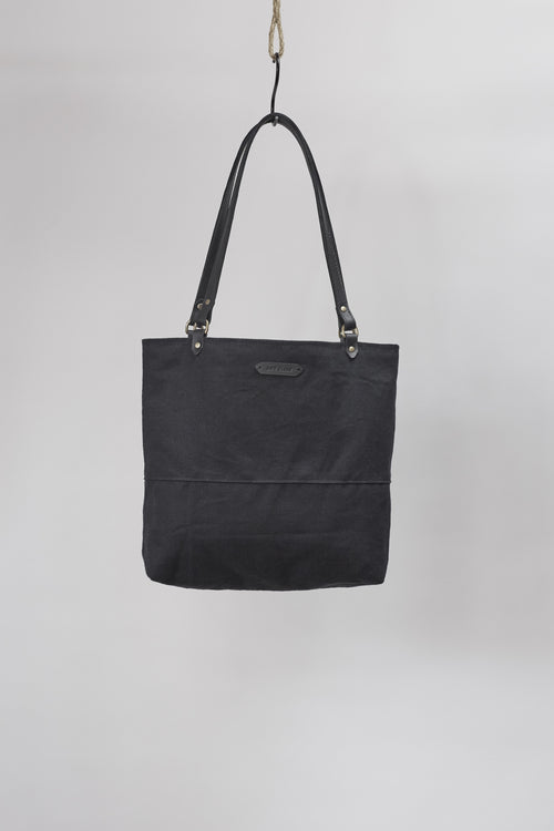 Amy Eliav Tote. Organic hemp canvas. Leather Strapping. Made in Melbourne Australia & Auckland New Zealand