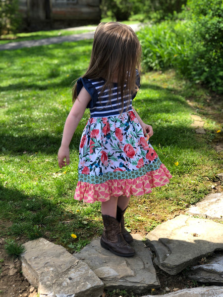 Gwen's New England floral dress