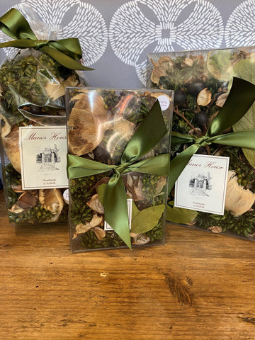 Hand Made Wild Fig & Cassis Scented Pot Pourri