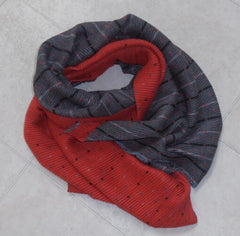 Super Waffle Scarf with small spot and stripe - Red/Grey