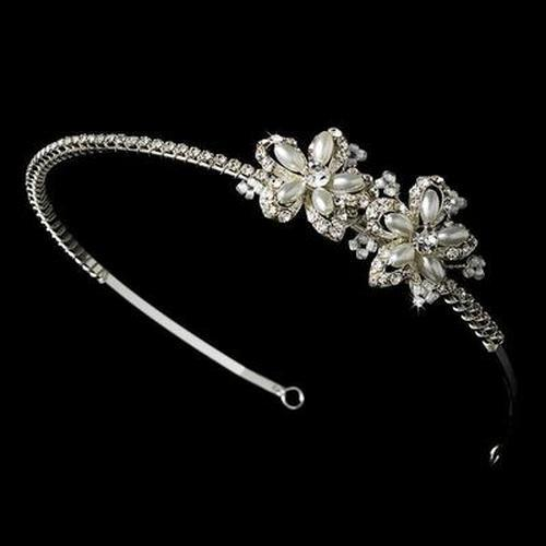 Bride Wearing Pearl Flower Side Headband - Love Wedding Shop