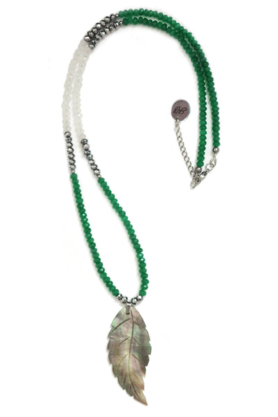 Long Jade necklace - emerald green boho chic