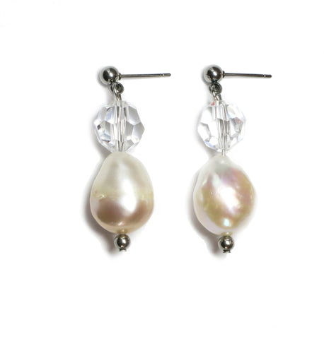 Lavish Pearl Drop earrings