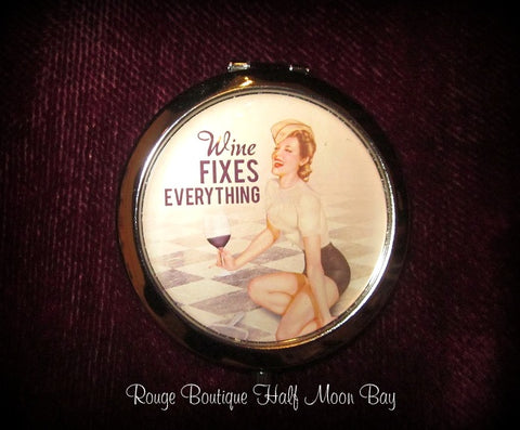 Pin-up Mirror Compact