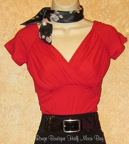 Short sleeve fitted red top
