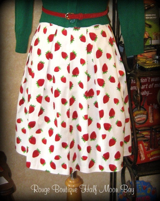 Retro Strawberry print Skirt