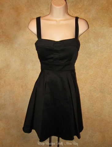 Retro Tie-back solid black dress (mid style)