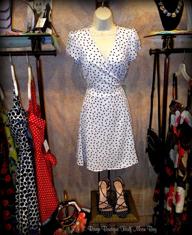 Wrap dress (white with black dots)