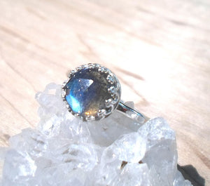 Labradorite Ring, Silver labradorite ring, Gemstone ring, Rose Cut Labradorite, Sterling ring, Midnight Moonstone ring, Moonstone jewelry