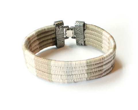 Connection cuff - Bracelet (Available in 3 colors)