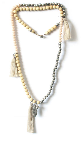 Feather necklace - (Available in 3 colors)