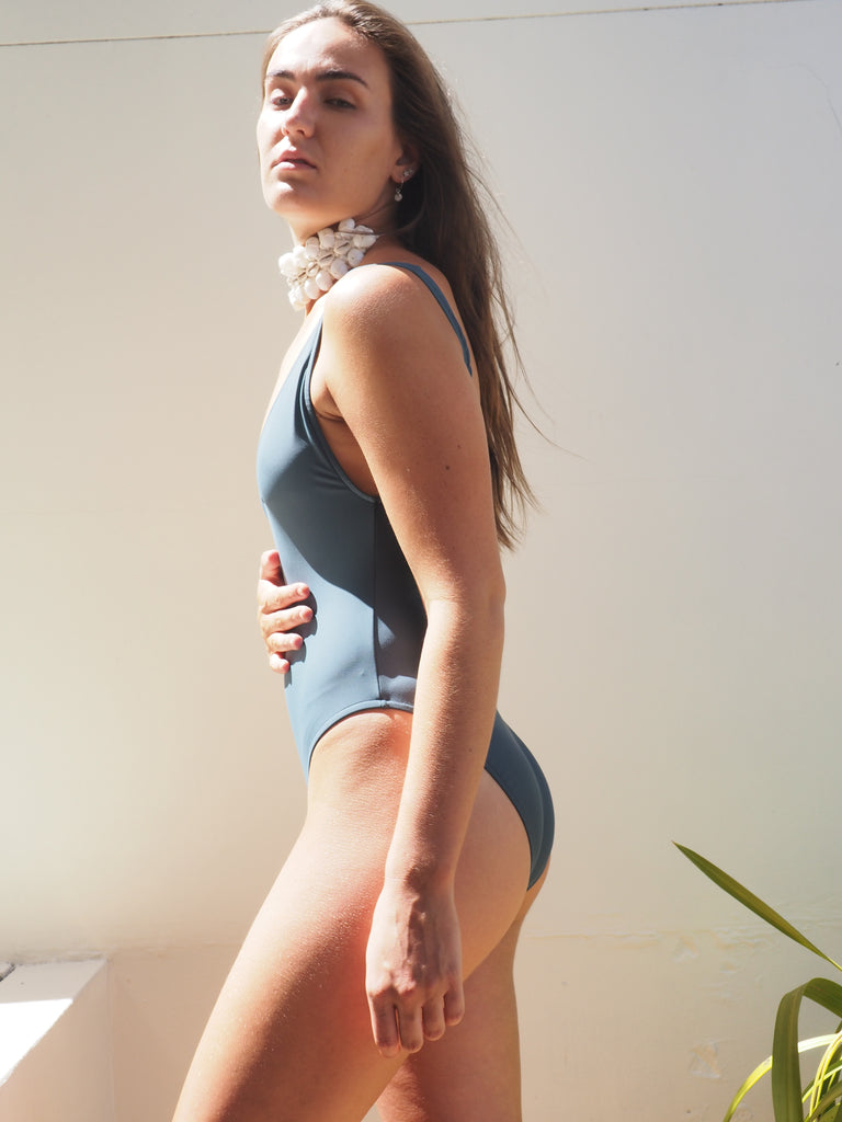 BOND ONE PIECE // CONCRETE