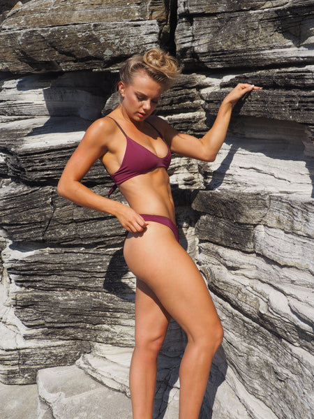 The Brooklyn is a playful scoop front, scrunch bum bikini set. Reversible, Wine & Chocolate. Seamless finish.