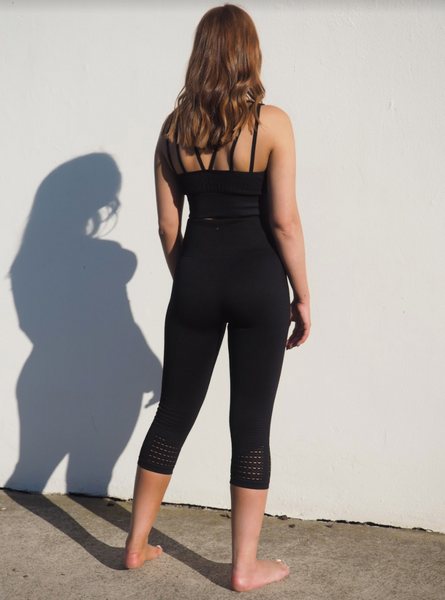 SEAMLESS MONO //  BLACK LEGGINGS