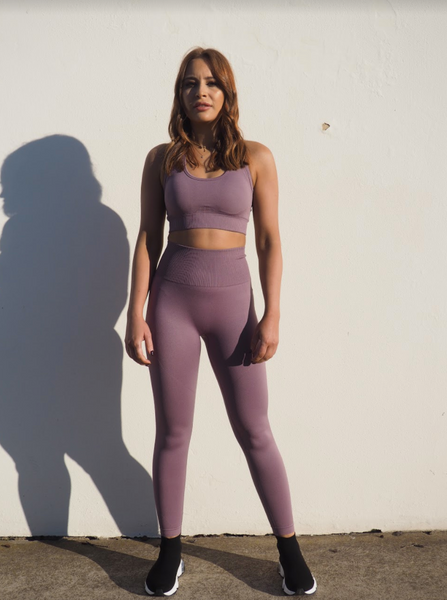 SEAMLESS GEO LAVENDER KNIT SET