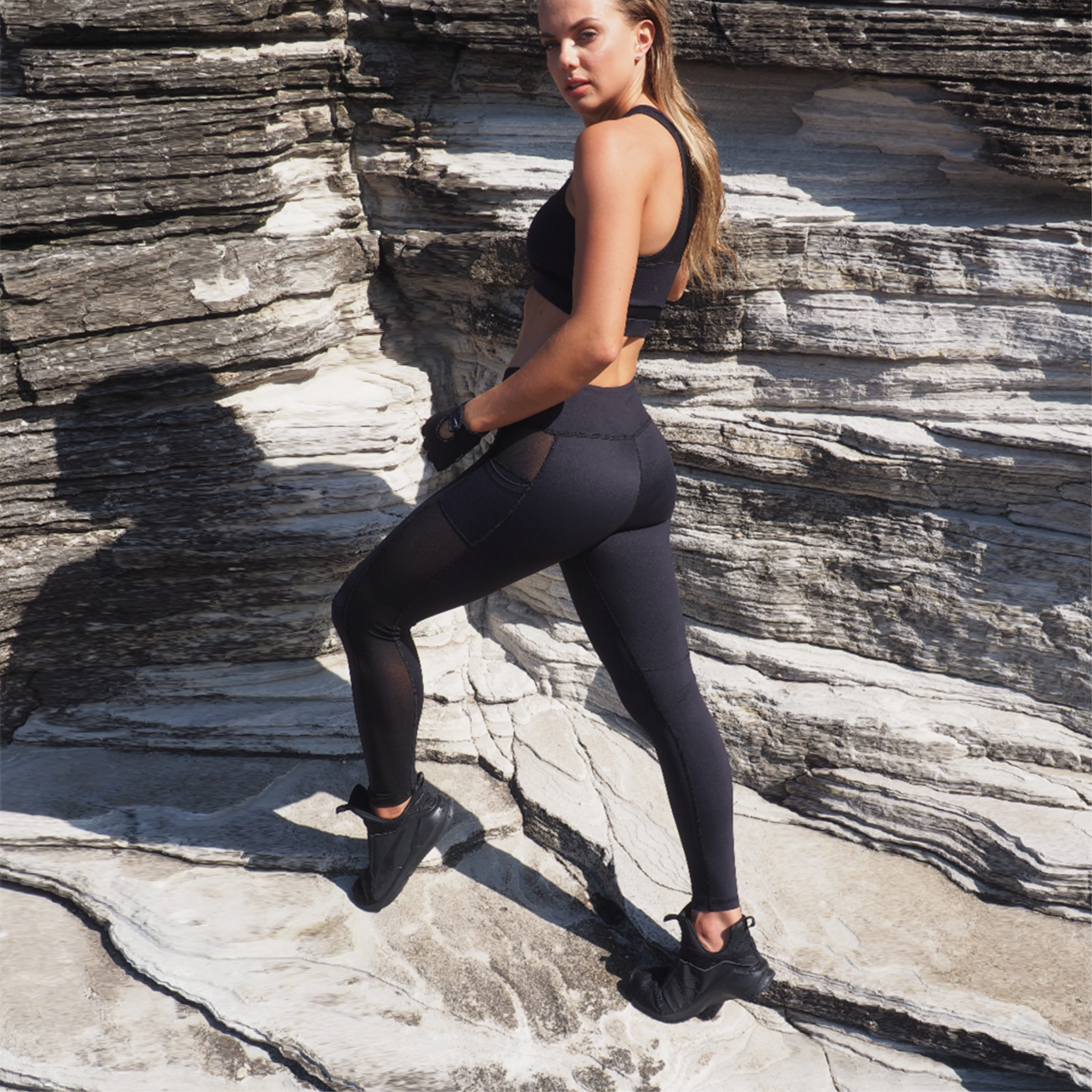 HYBRID MESH LEGGINGS // BLACK