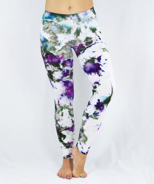 Load image into Gallery viewer, Amethyst Ice Dye Leggings
