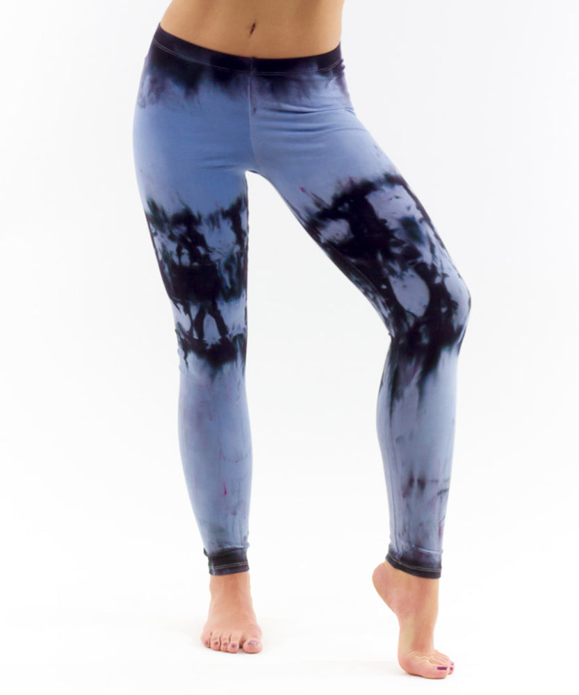 Blue and black tie dye leggings made of sustainable cotton by Akasha Sun.