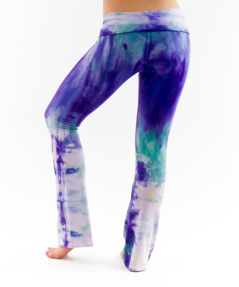 Load image into Gallery viewer, Purple Aura Tie Dye Yoga Pants