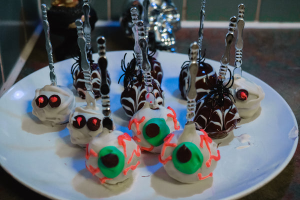 vegan halloween cake pops