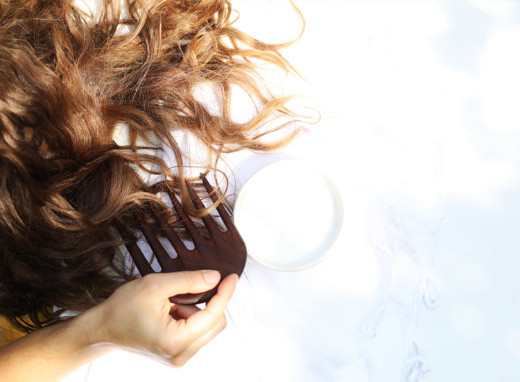 DIY Coconut Leave-In Detangler