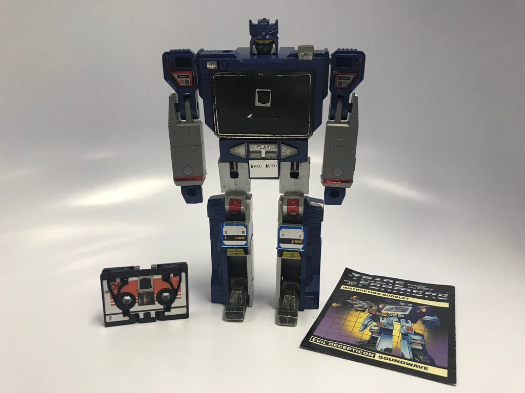 1984 Hasbro Takara G1 Transformers Soundwave Sound Wave with Laserbeak Cassette Loose Not Complete