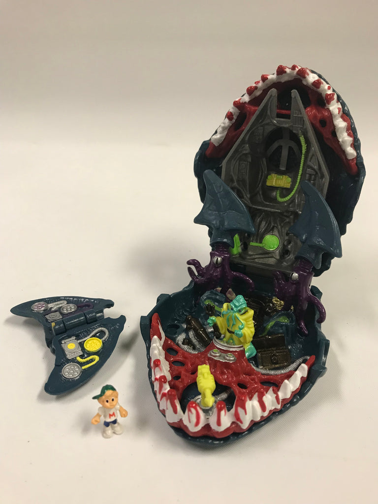 1992 Bluebird Mighty Max Caught by the Man Eater (Shark) Doom Zone Playset Complete