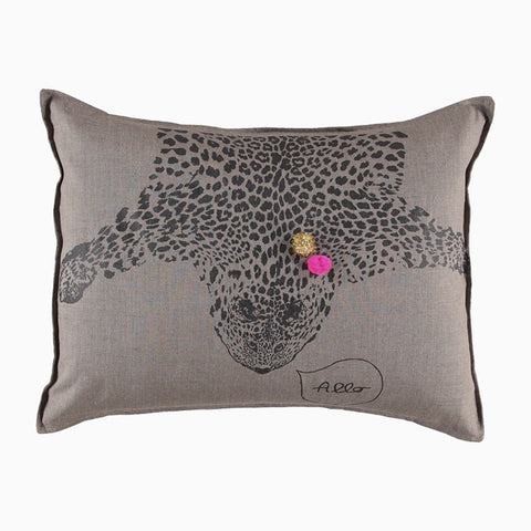 leo with gold and pink grand cushion