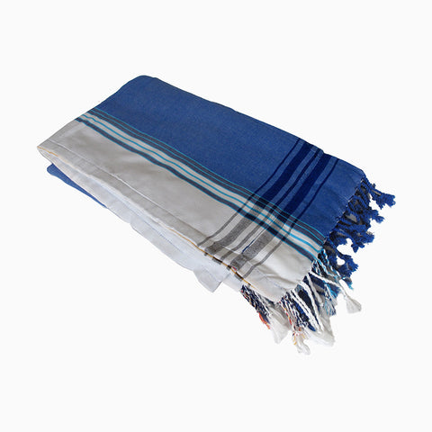 beach towel (blue and white)
