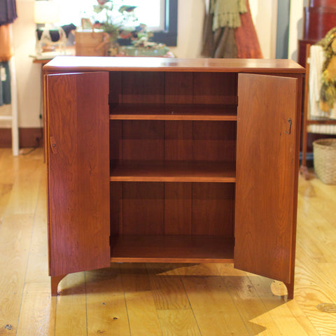 Reproduction Furniture: Jelly Cupboard