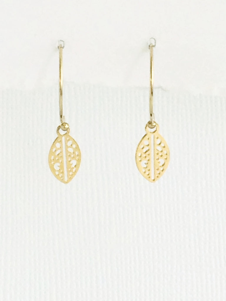 Tiny Leaf Earrings silver