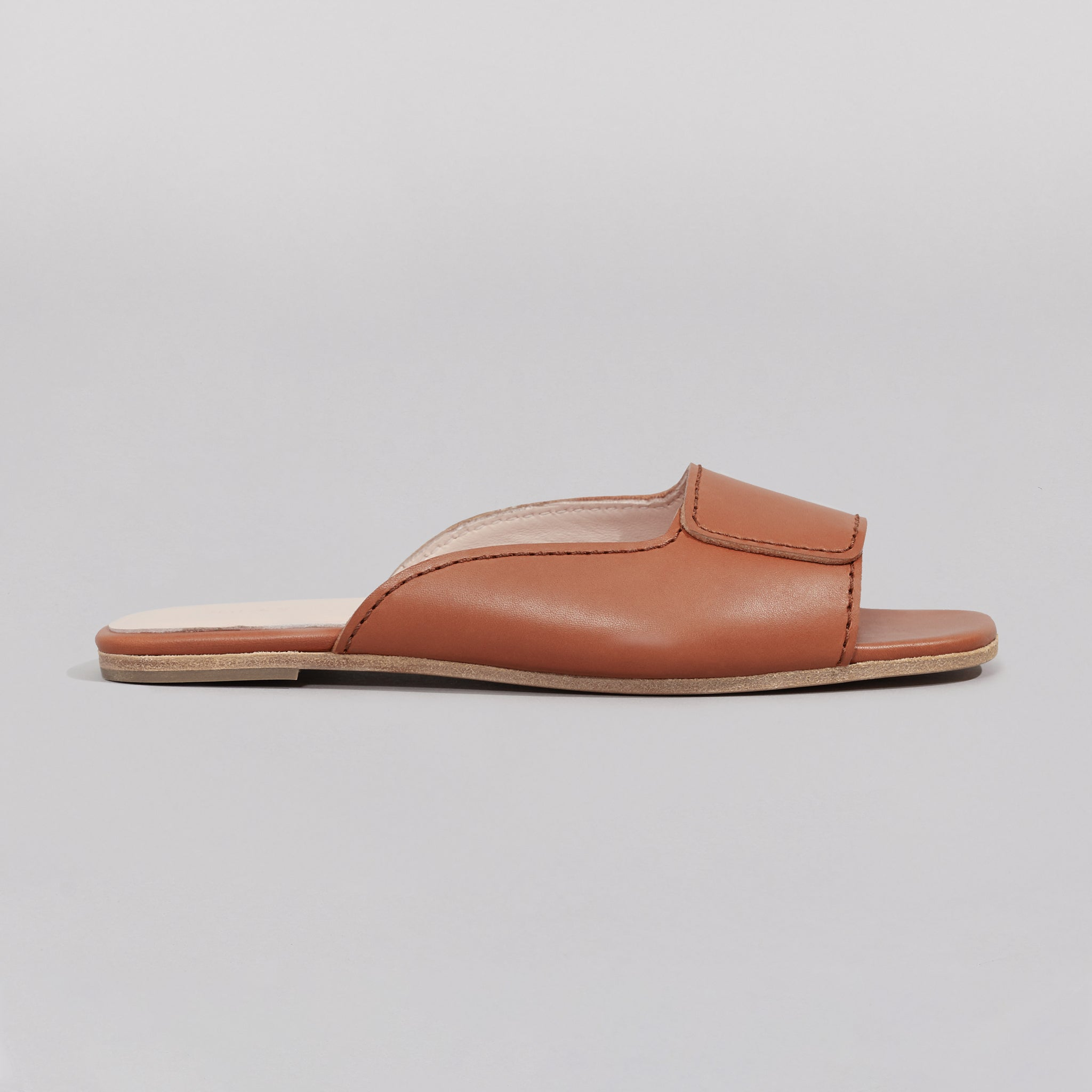 Wilder shoes- brown leather women's slide sandal - Maude - side view