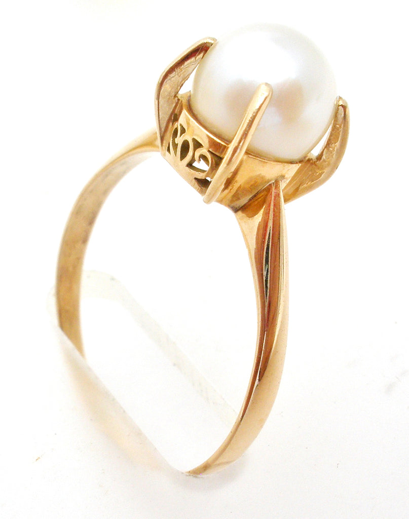 14K Gold Akoya Pearl Ring Size 7.5 - The Jewelry Lady's Store