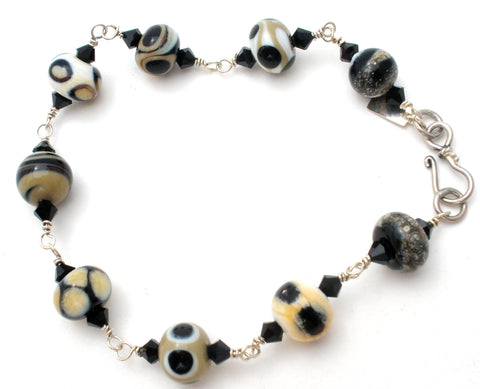 Black & White Art Glass Bead Bracelet JWL