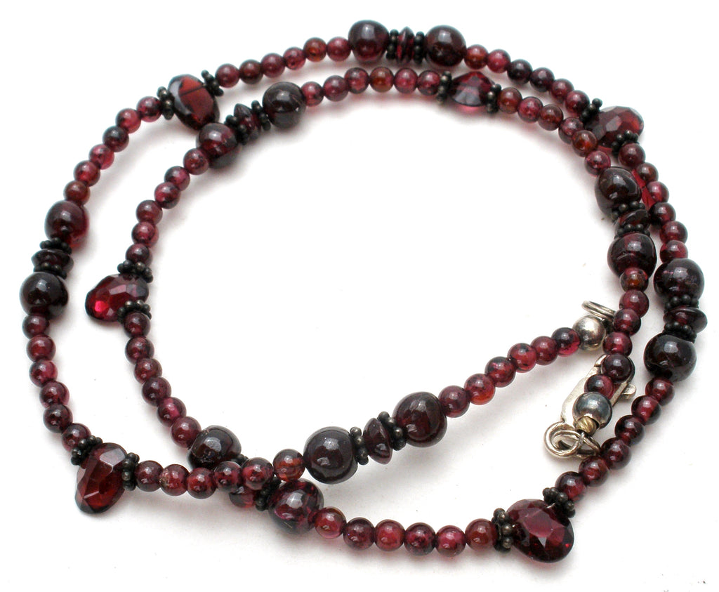 "Bohemian Garnet Bead Necklace 17"" Vintage - The Jewelry Lady's Store"