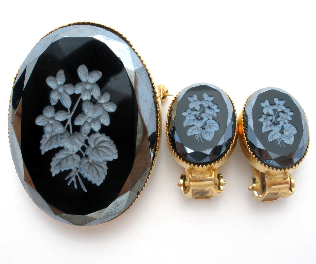 Carved Floral Black Onyx Brooch & Earrings Vintage - The Jewelry Lady's Store